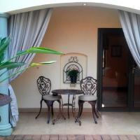 Deluxe Queen Suite with Garden View