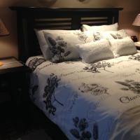 Afri-Khaya One Bedroom Apartment