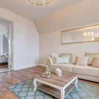 Luxury Two-Bedroom Apartment with Sea View - 43 Parkowa Street