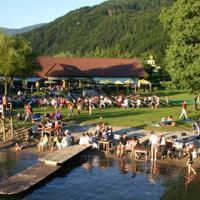 Hotel Pictures: Schwimmbad Camping Mössler, Döbriach
