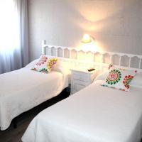 Hotel Pictures: Hostal Los Molinos, Navahermosa