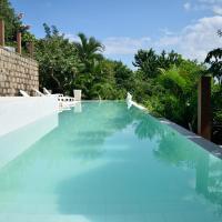 Hotel Pictures: Banana Leaf Eco Hostel, Barra de Guaratiba