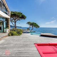 Hotel Pictures: Sea-facing villa Saint Tropez Peninsula, Ramatuelle