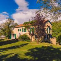 Hotel Pictures: Maison sur un Ilot de Verdure, Curbans