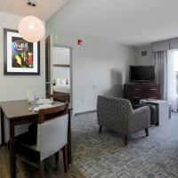 Deluxe One-Bedroom Suite - Non-Smoking