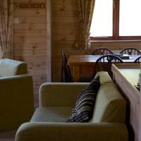 Log Cabin (4 Adults)