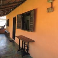 Hotel Pictures: Casa Salmão Ponta Negra, Papagaio