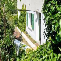 Hotel Pictures: Holiday Home L'Estiu, Cascastel-des-Corbières