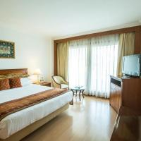 Executive Double Room with Lake View
