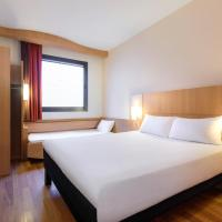 Standard Room with 1 Double and 1 Single Bed (3 Adults)