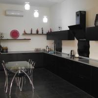 Hotel Pictures: Goradil Cottage House, Goradil