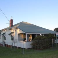 Hotel Pictures: Dillons Cottage, Stanthorpe