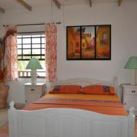 Hotel Pictures: Yellow Bird Apartment, Christ Church