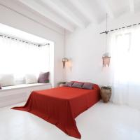 Deluxe Room with Bay Window