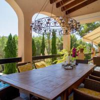 Hotel Pictures: Villa Mil Pins, Santa Ponsa