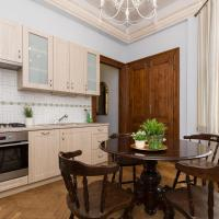 Large Two-Bedroom Apartment (Antique Style) Zyblikiewicza Street 11