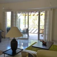 Hotel Pictures: Amathusa Coastal Heights Villa No. 5, Ayios Tykhonas