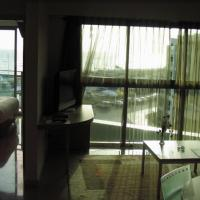 Marina Towers Suite