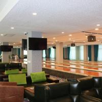 Hotel Pictures: El Resort Hotel, Qax