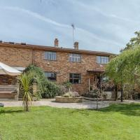 Hotel Pictures: Richmond Lane Holiday Home, Romsey