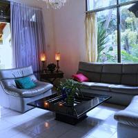 Zdjęcia hotelu: Holidayhome Alam Cipanas Puncak, Puncak