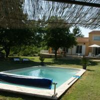 Hotel Pictures: Villa Le Grand Chene, Reillanne