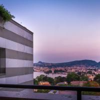 Luxury Apartment Lake View