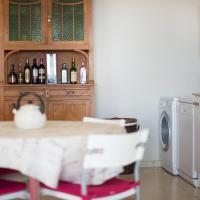 Hotel Pictures: Chalet Limonium, Tamarit