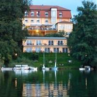 Hotel Pictures: Hotel Vier Jahreszeiten, Buckow
