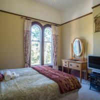 Comfortable Single Room with Shared Bathroom