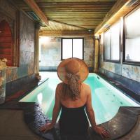 Hotel Pictures: Hotel et Spa Le Lion d'Or, Pont-l'Évêque