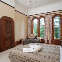 Spacious Single Room with Shared Bathroom