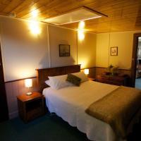 Two-Bedroom Unit - The Hamlet Suite