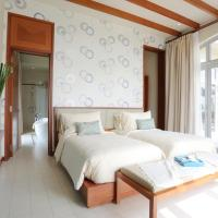 Seaview Villa with Breakfast and Spa