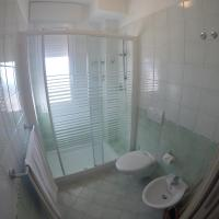 One-Bedroom Apartment with Sea View (5 Adults)