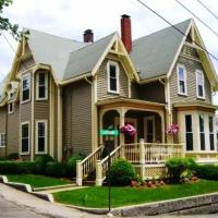 Victorian House on Rocky Neck