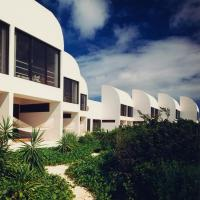 Hotel Pictures: Covecastles Resort and Hotel, West End Village
