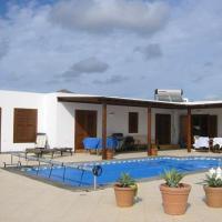 Hotel Pictures: Oryviu, Tías