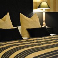 Hotel Pictures: Domaine De L'espal, Meursac