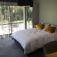 Hotel Pictures: Le Domaine des Loups, Souchez