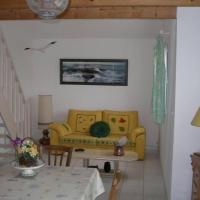 Hotel Pictures: Rental Gite Saint 6, Saint-Michel-Chef-Chef