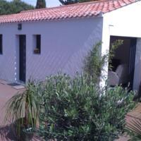 Hotel Pictures: Rental Villa Ile De Noirmoutier, Le Fier