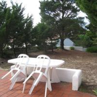 Hotel Pictures: Rental Villa Ile De Noirmoutier 25, La Maison-Rouge