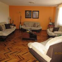 Hotel Pictures: Casa Lucia, Puembo