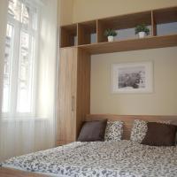 Three-Bedroom Apartment - Izabella 41.