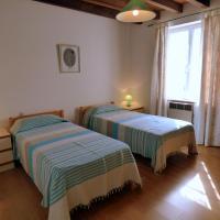 Hotel Pictures: Le Manoir de La Foye, Vinax