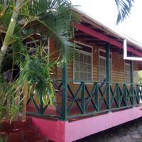 Hotel Pictures: Posada Bay Side View, Providencia