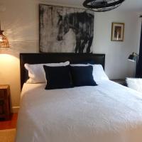 Equine InspiredTwo Bedroom/ Two Bathroom Cottage
