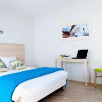 One-Bedroom Apartment (4 Adults) with hotel services