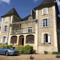 Hotel Pictures: Le Château, Champagny-sous-Uxelles